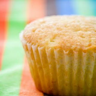Do You Live in A Divided Home? Make Vanilla and Chocolate Cupcakes at the Same Time.