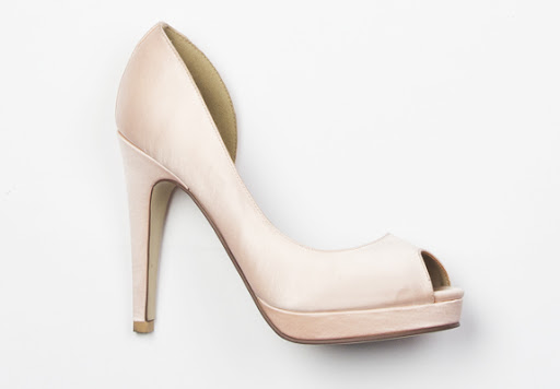 chic in soft pink shoes of prey