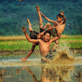 Overstack by Andreas Sugiarto - Babies & Children Children Candids ( kids playing in summer )