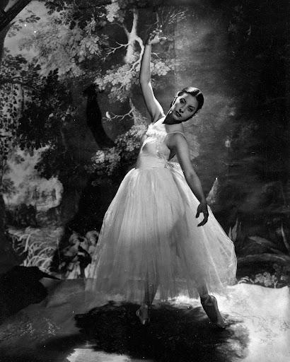 On ballet american ballet theatre google arts culture for Antony tudor jardin aux lilas