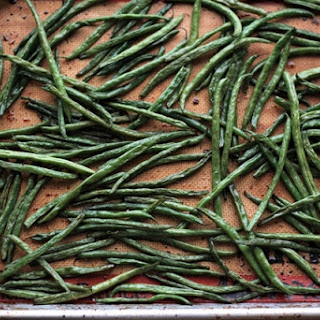 Sriracha Honey Roasted Green Beans
