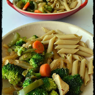 Vegetables with Chicken and Pasta.