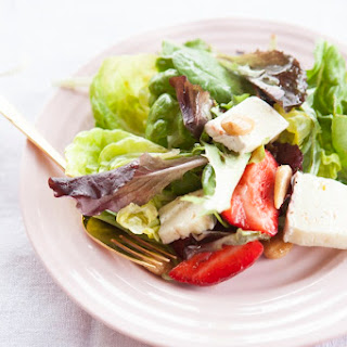 Strawberry, Brie & Butter Lettuce Salad