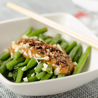 Green Beans with Spicy Peanut Sauce