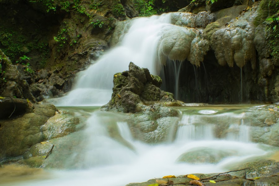 Mata Buntu Waterfall by Arnon Ampugo - Landscapes Waterscapes ( hill, waterfall, picnic )