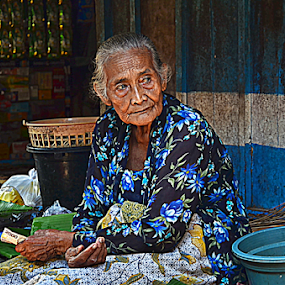 two thousand rupiah for today by Arifandi Krembong - People Portraits of Women ( potrait, market, old lady, two thousand rupiah, seller )