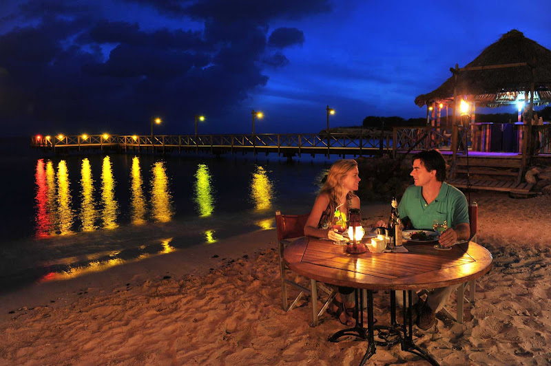 A romantic meal on one of Curacao's beautiful beaches.