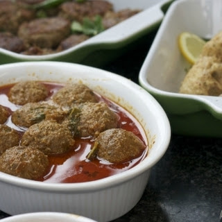Slow-Cooked Pakistani Beef Koftas with a Fragrant Curry and a Hint of Mint