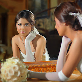 Young Bride by Amin Basyir Supatra - Wedding Bride ( mirror, love, bali, indoor, prewedding, happy, wedding, white, smile,  )