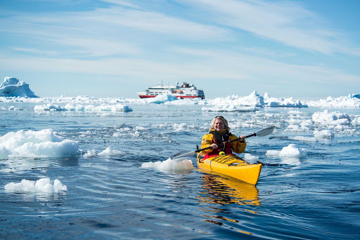 Hurtigruten-Fram-kayaking-Antarctica - Go kayaking for an exhilarating exploration of Antarctica during your cruise aboard the Hurtigruten ship Fram.