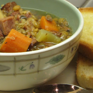 Slow Cooker Lentil And Canadian Bacon Soup