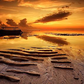 Serenity by Ina Herliana Koswara - Landscapes Beaches ( sky, sanur, sunrise, beach, boat )