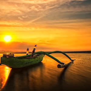 Perahu nelayan 28091414pix.jpg