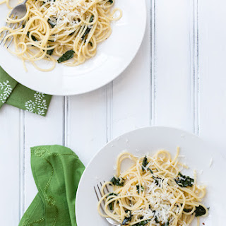 Spinach and Garlic Spaghetti with Pecorino Recipe
