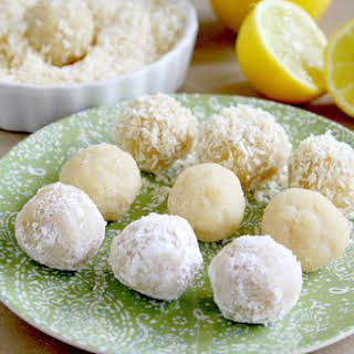 Lemon Meltaway Balls (Raw, Vegan, Gluten-Free, Dairy-Free, Paleo-Friendly, No Refined Sugar).