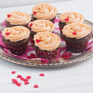 Chocolate Peanut Butter Valentine Cupcakes