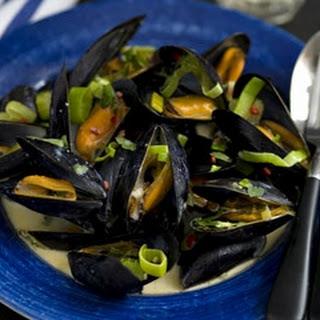 Creamy Garlic And Leek Mussels