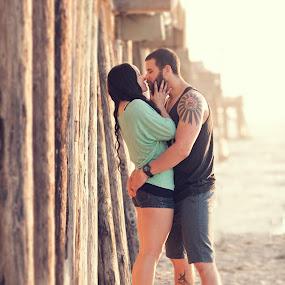 Beach Romance by Scott Nelson - People Couples