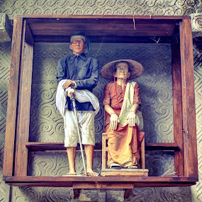 REPLICA WHEN YOUR LIFE by Alief N Ardiansyah - Buildings & Architecture Statues & Monuments ( toraja, statue, memorial, life, tradition, replica )