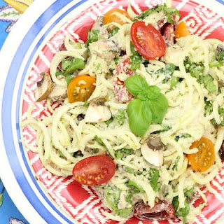 A Ridiculously Delicious (Raw!) Pasta Primavera