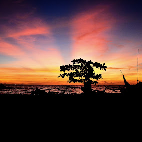 silhouette by Alvi Eko Pratama - Landscapes Sunsets & Sunrises ( red, pantai, sunset, silhouette, lanscape )