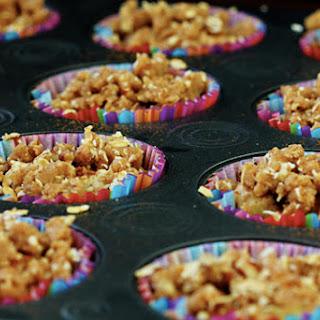 (Healthier!) Apple Crumble Muffins