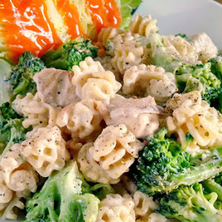 Chicken & Broccoli Skillet Pasta Alfredo
