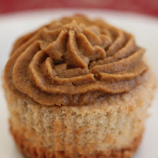 "Cinnamon Cupcakes with Pumpkin Pie ""Frosting"""