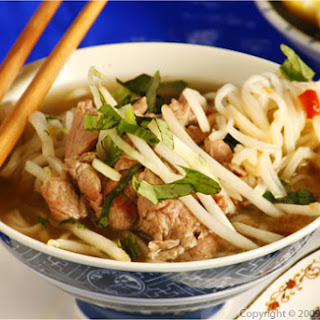 Pho Bo Tai Nam (The Perfect Vietnamese Beef Rice Noodle Soup).