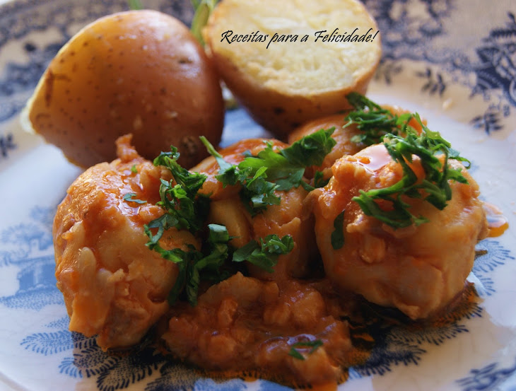Fish Fillets with Tomato Sauce and Sauteed Potatoes Recipe