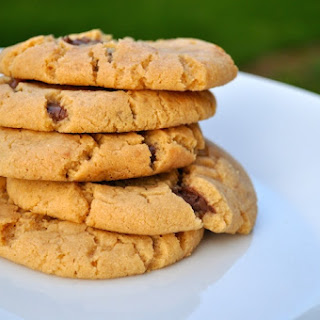 Peanut butter cookies stuffed with Nutella.
