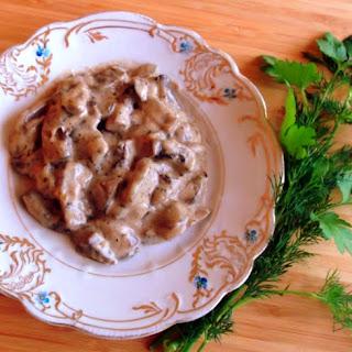 Mushrooms Cooked in Cream, Stroganoff Style