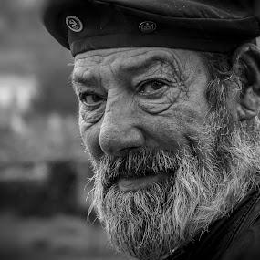 look sharp by Vasco Morais - People Portraits of Men