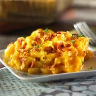 Macaroni and Cheese with Veggie Bacon.