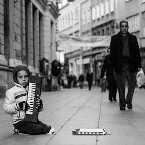 by Yasin Akbaş - Black & White Street & Candid