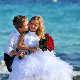 Children wedding by Frédéric Deleuse Photographe - Wedding Other ( studio riviera wedding, children wedding, children, mariage, enfant d'honneur )