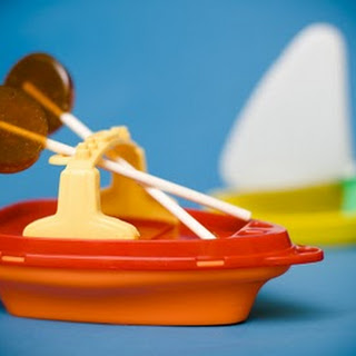 Good Ship Lollipop – Homemade Shirley Temple Lollipops