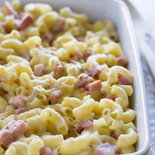 Homemade Macaroni and Cheese with Ham and Leeks.
