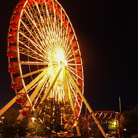 Navy Pier Farris Wheel by Gary Poulsen - Novices Only Street & Candid ( navy pier, night, chicago, light, ferris wheel,  )