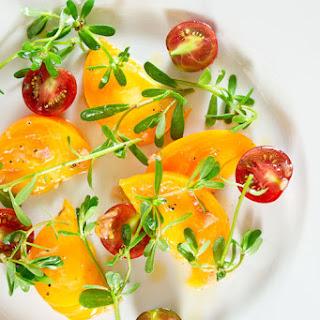 Tomato Purslane Salad with White Peach Dressing