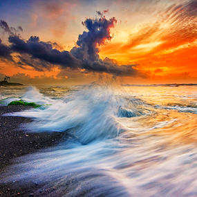 Shores by Hendri Suhandi - Landscapes Waterscapes ( splash, wave, beach, motion )
