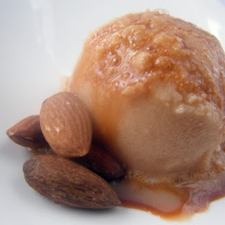 Amaretto Caramel Snow Ice Cream.