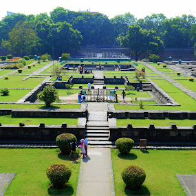 Shanivarwada Garden by Vinayak Shinde - Novices Only Street & Candid ( shanivarwada, novice, green, novices only, garden,  )