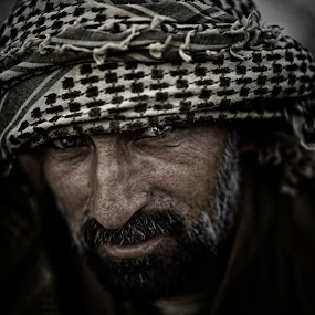 Middle Eastern portraits by Vic Pacursa - People Street & Candids ( arab, dubai, nikkor, men, nikon, portrait )