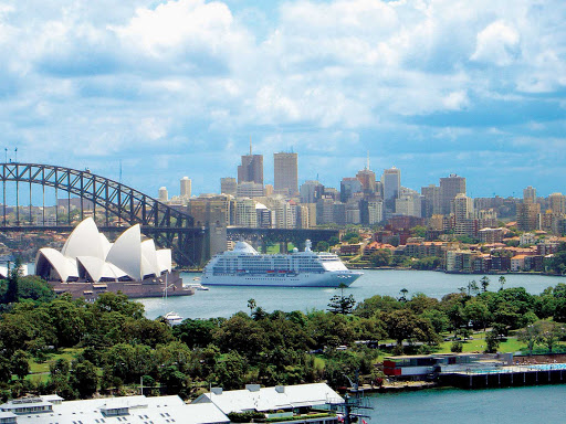 Regent-Seven-Seas-Voyager-Sydney - Take a cruise on Seven Seas Voyager and discover Australia's majestic Sydney Harbor, a great winter getaway for Americans and Europeans.