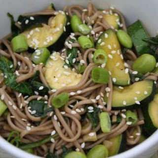 Soba Noodles with Edamame, Zucchini, and Spinach Recipe