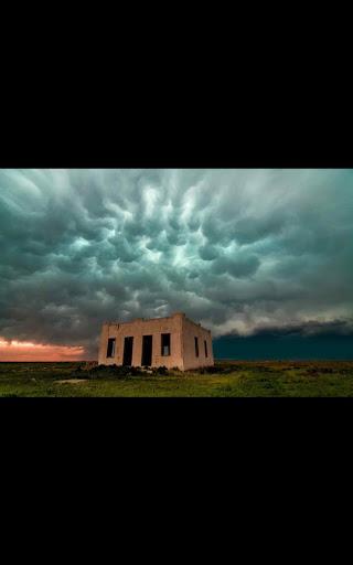 Fury Tornado Live Wallpaper