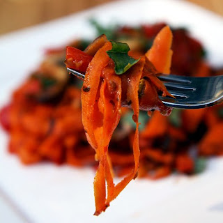 Carrot Fettuccine with Mushrooms and Red Pepper Recipe