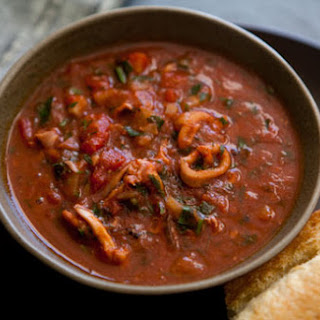 Calamari Stewed with Tomatoes