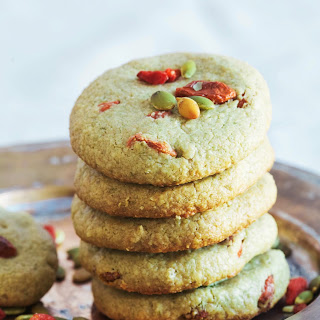 Pumpkinseed Butter Goji Cookies